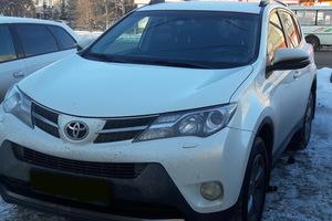 Подержанный автомобиль Toyota RAV4, отличное состояние, 2015 года выпуска, цена 1 450 000 руб., Челябинск