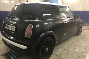 Автомобиль Mini One, отличное состояние, 2002 года выпуска, цена 360 000 руб., Свердловская область
