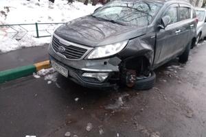 Автомобиль Kia Sportage, битый состояние, 2012 года выпуска, цена 850 000 руб., Одинцово