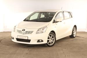 Авто Toyota Verso, 2012 года выпуска, цена 798 000 руб., Москва