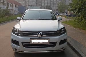 Автомобиль Volkswagen Touareg, отличное состояние, 2012 года выпуска, цена 1 750 000 руб., Сургут