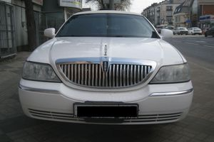 Авто Lincoln Town Car, 2003 года выпуска, цена 580 000 руб., Краснодар