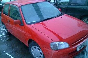 Автомобиль Toyota Starlet, хорошее состояние, 1999 года выпуска, цена 115 000 руб., Краснодарский край