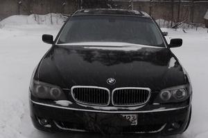 Подержанный автомобиль BMW 7 серия, хорошее состояние, 2003 года выпуска, цена 550 000 руб., Московский
