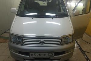 Автомобиль Toyota Regius, хорошее состояние, 1999 года выпуска, цена 420 000 руб., Владивосток