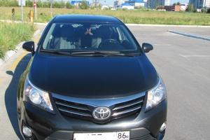 Автомобиль Toyota Avensis, хорошее состояние, 2012 года выпуска, цена 1 030 000 руб., Сургут