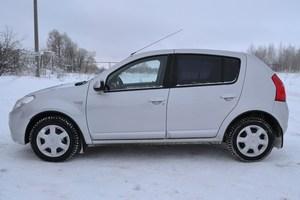Автомобиль Renault Sandero, отличное состояние, 2013 года выпуска, цена 398 000 руб., Казань