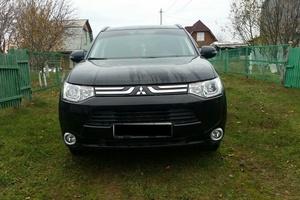 Автомобиль Mitsubishi Outlander, отличное состояние, 2013 года выпуска, цена 1 250 000 руб., Казань