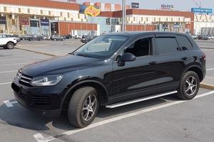 Автомобиль Volkswagen Touareg, отличное состояние, 2011 года выпуска, цена 1 500 000 руб., Сургут