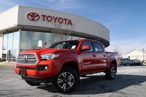 Авто Toyota Tacoma, 2017 года выпуска, цена 3 500 000 руб., Москва