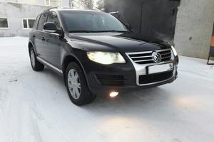 Автомобиль Volkswagen Touareg, отличное состояние, 2008 года выпуска, цена 955 000 руб., Нефтеюганск