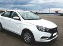 Подержанный ВАЗ (Lada) Vesta, белый , цена 570 000 руб. в Челябинской области, отличное состояние