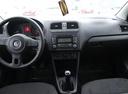 Подержанный Volkswagen Polo, вишневый, 2012 года выпуска, цена 445 000 руб. в Тюмени, автосалон