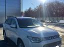 Подержанный Mitsubishi Outlander, белый перламутр, цена 915 000 руб. в Челябинской области, отличное состояние