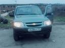 Подержанный Chevrolet Niva, серый , цена 330 000 руб. в Челябинской области, хорошее состояние
