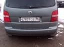 Подержанный Volkswagen Touran, серый , цена 350 000 руб. в ао. Ханты-Мансийском Автономном округе - Югре, хорошее состояние