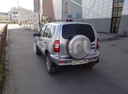 Подержанный Chevrolet Niva, серебряный , цена 250 000 руб. в ао. Ханты-Мансийском Автономном округе - Югре, хорошее состояние