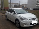 Подержанный Hyundai Solaris, белый , цена 530 000 руб. в республике Татарстане, хорошее состояние