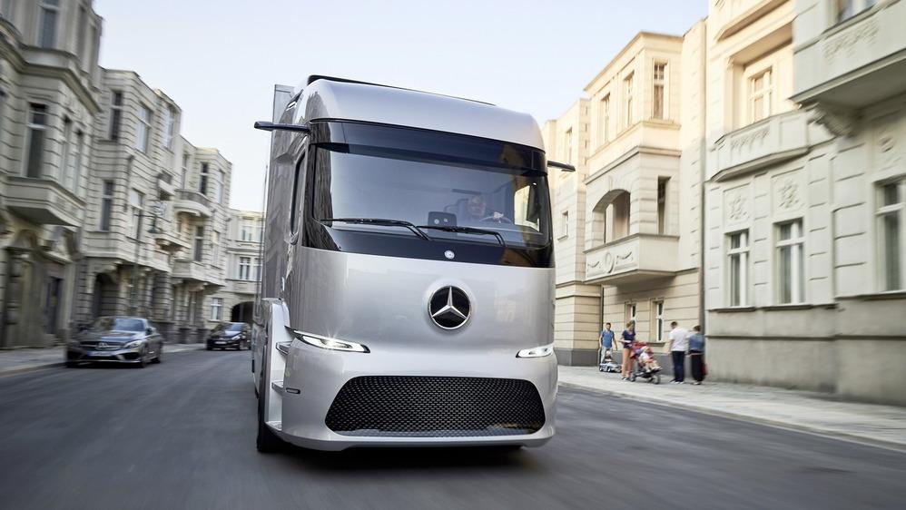 Mercedes выпустит электрические грузовики серийно.