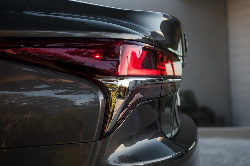 Официальные фотографии Lexus LS500 – смотреть фото на Am.ru