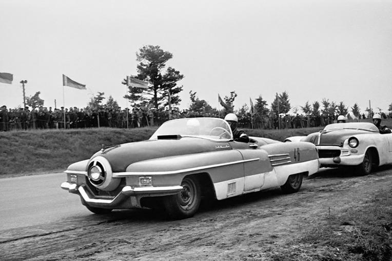 История советских суперкаров ЗИЛ – читать и смотреть фото на Am.ru