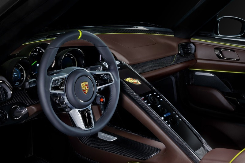 Единственный в России Porsche 918 Spyder снова отзывают