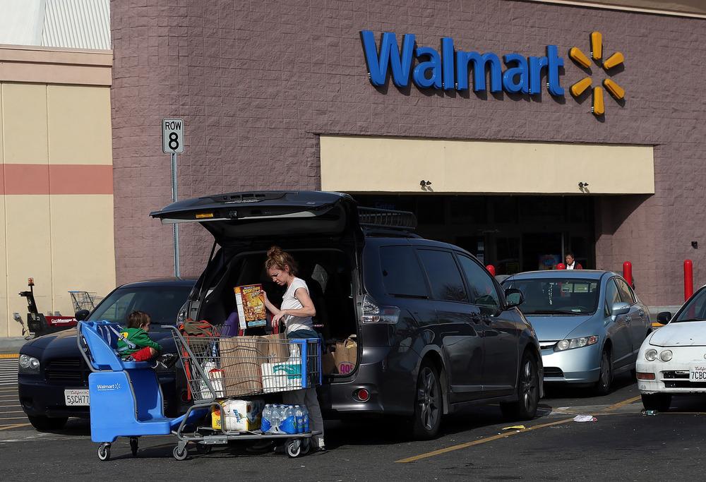 ВСША начнут торговать автомобили в гипермаркетах