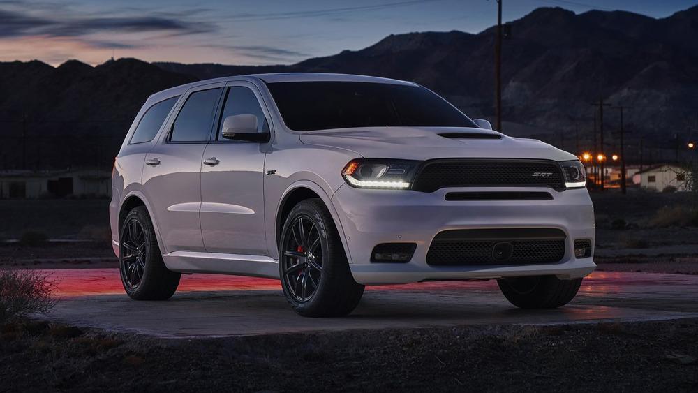 Появились кадры Dodge Durango SRT 2018 модельного года
