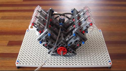 Действующая модель двигателя   V6 из конструктора Lego.