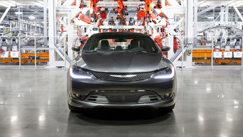 Chrysler 200 снят с производства.