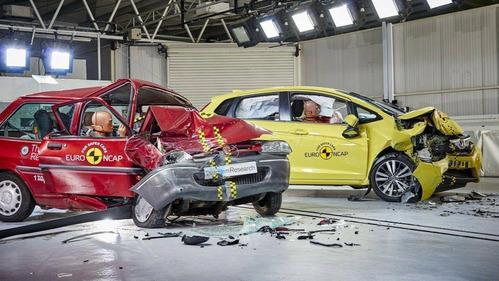 EuroNCAP разбил машину 1997 и 2017 года для демонстрации прогресса в области безопасности – смотреть видео на Am.ru
