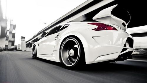 Белый цвет самый популярный у автовладельцев в России и в мире.