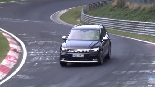 На Нюрбургринге замечена R-версия нового Volkswagen Tiguan.