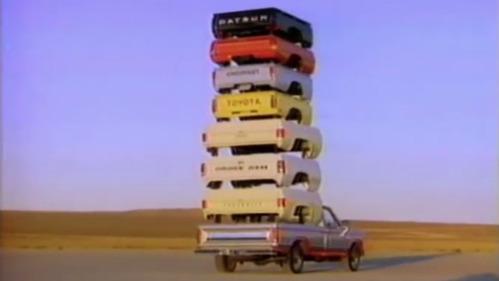 Совершаем экскурс в прошлое автомобильной рекламы в США.