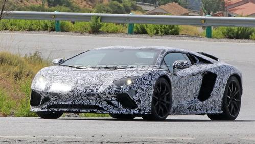 Шпионские фото обновлённого Lamborghini Aventador.Новости Am.ru