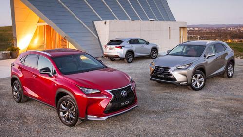 Несколько тысяч Lexus NX могут сами покатиться в режиме «паркинг»