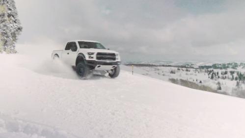 Кен Блок показал, как пикап Ford F-150 Raptor  любит снег.