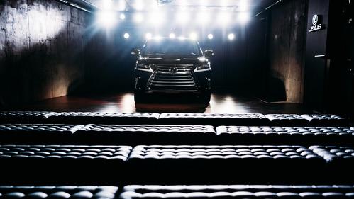 обновленный Lexus LX