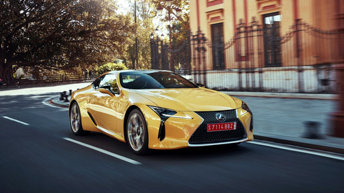 Lexus LC 500 можно заказать  в России за 7 886 000 рублей.