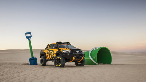 Официальные фотографии Toyota Hilux Tonka Concept - смотреть фото на Am.ru.