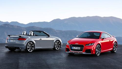 Фотографии новых родстера и купе Audi TT RS.