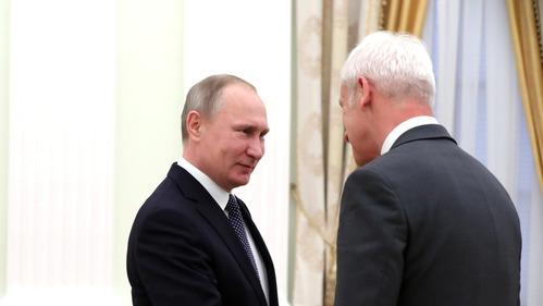 Путин пообещал Volkswagen поддержку.Новости Am.ru