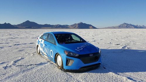 Hyundai Ioniq поставил рекорд скорости для гибридов.Новости Am.ru