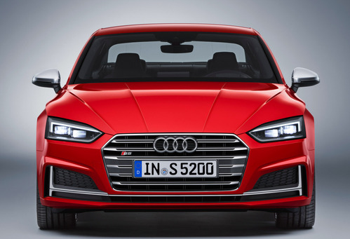 Фотографии нового поколения купе Audi A5 и S5.