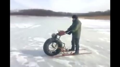 Вот что получится, если скрестить лыжи с бензопилой.