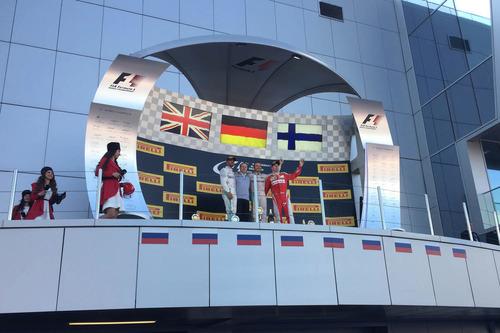 Фотографии из-за кулис Гран-при России в Сочи – смотреть фото на Am.ru