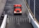 Удивительная разработка, позволяющая остановить грузовик без тормозов.