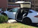 Tesla попала в новое ДТП из-за автопилота.